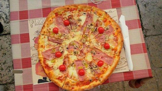 Mea Culpa Pizzeria & Trattoria : The Capricciosa of my choice