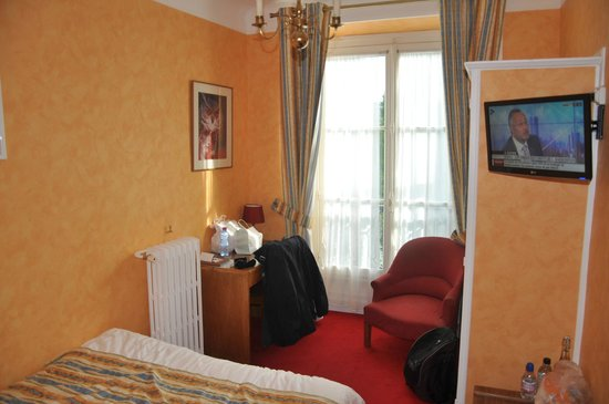 Hotel du Quai-Voltaire : La chambre