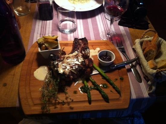 Restaurant La Farigoule By Angel: on a cutting board