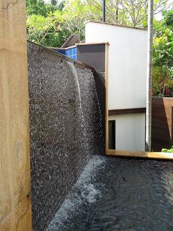Tara Angkor Hotel : Fountain