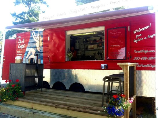 The T & A Cafe: The T & A Trailer, ready to serve your favourite food!