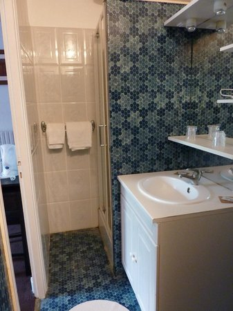 Hotel Restaurant Jeanne d'Arc : salle de bain
