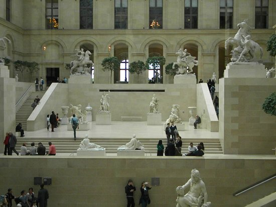 Louvre Museum: louvre