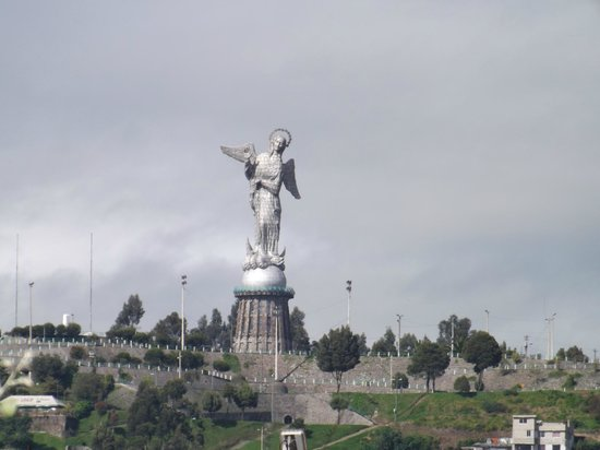 Quito Historical Old Town Tour : Virgen del Panecillo