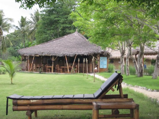 Pearl Beach Resort: Restaurant - outdoor dining only!