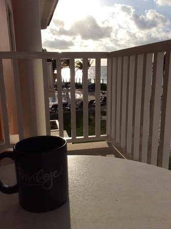 Ocean Maya Royale: coffee with a view