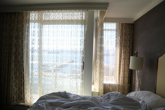 Pinnacle Hotel At The Pier: Double Beds Ocean View