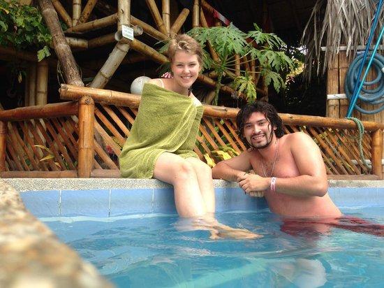 Viejamar Hostel: en la piscina