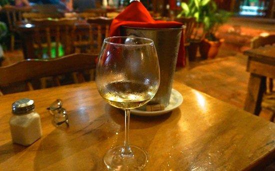 Barba Roja Restaurant: Nice cool white wine