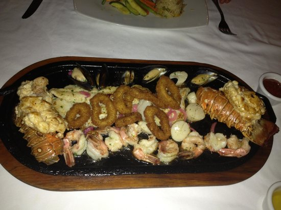The Royal Sands Resort & Spa All Inclusive: Seafood Surprise @ Captains Cove
