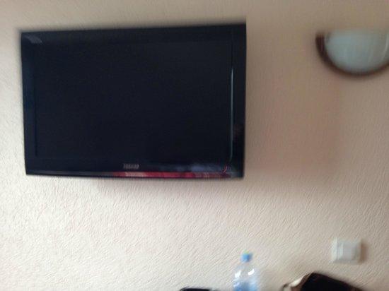 Hotel de la Plage: tv habitación 19