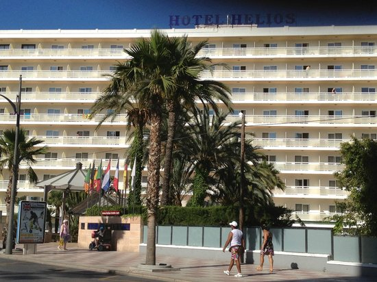 Hotel Helios Benidorm: View of the front of the hotel