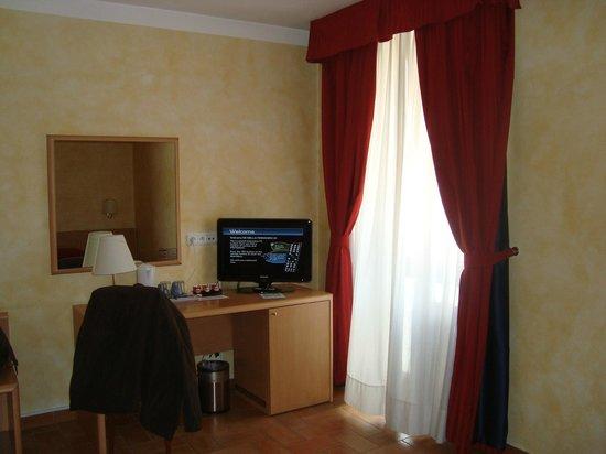Hotel Roma Prague: Apartamento