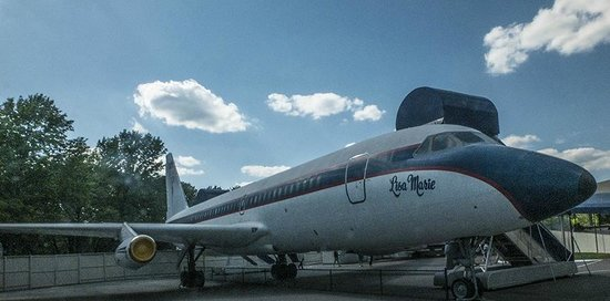 Graceland : His private plane named after his daughter.