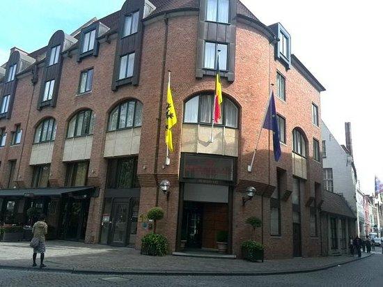 Crowne Plaza Brugge : 外観