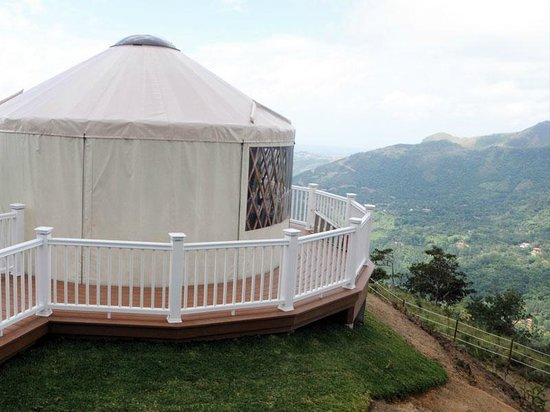 "Luxury Camping Panama: Camping deluxe ""Yurt"""