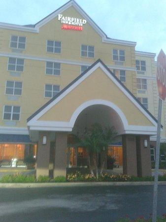 Fairfield Inn & Suites Orlando Lake Buena Vista: Fachada