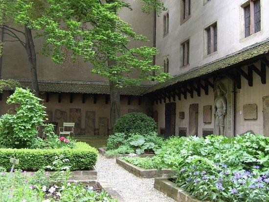 Musée de l'Œuvre Notre-Dame: The mediaeval garden