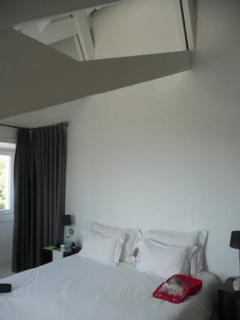 Farol Hotel : lovely big bedroom in the attic