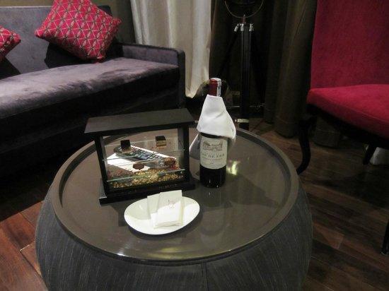 Hotel de l'Opera Hanoi: Welcome gift