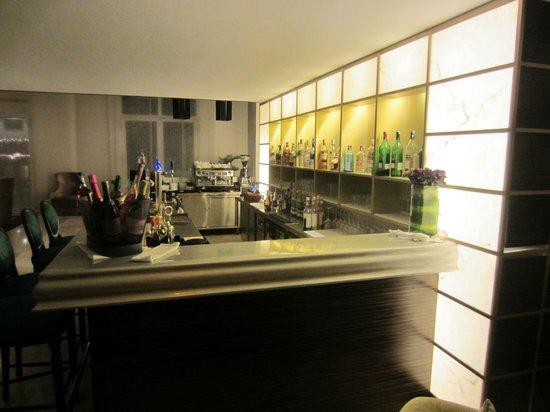 Hotel de l'Opera Hanoi: Bar