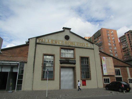 Museo de Arte Moderno de Medellin: fachada de Bodega