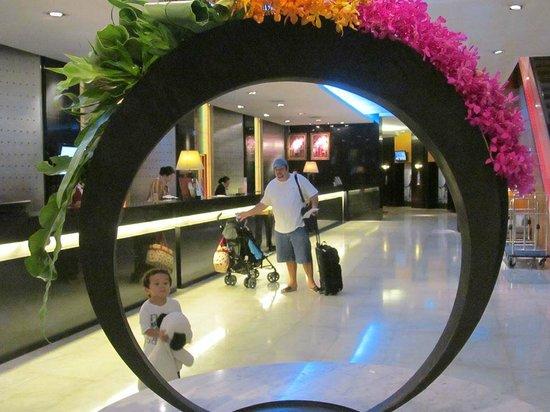 Amari Don Muang Airport Bangkok : check in counter