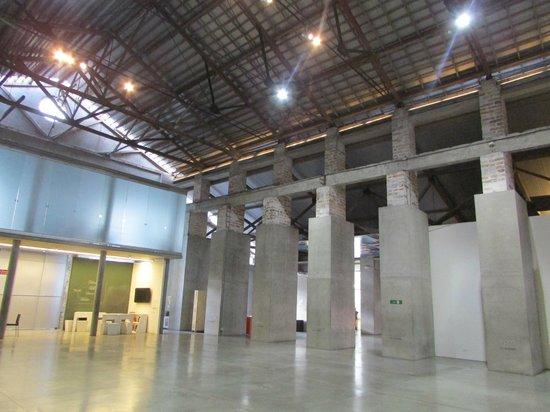 Museo de Arte Moderno de Medellin: Panoramica interna