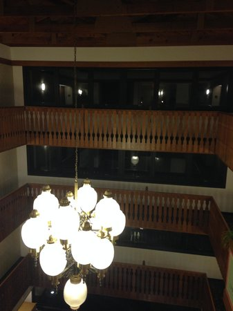 Drury Inn & Suites Frankenmuth: View from the walkway on the 4th floor