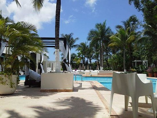 Smart Cancun by Oasis: Alberca