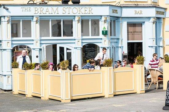 Bram Stoker Hotel: front entrance
