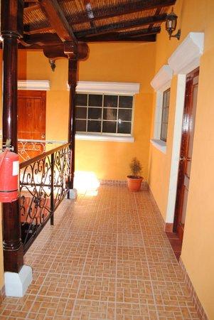 Aparta Hotel La Casona de Fabiana: Pasillo