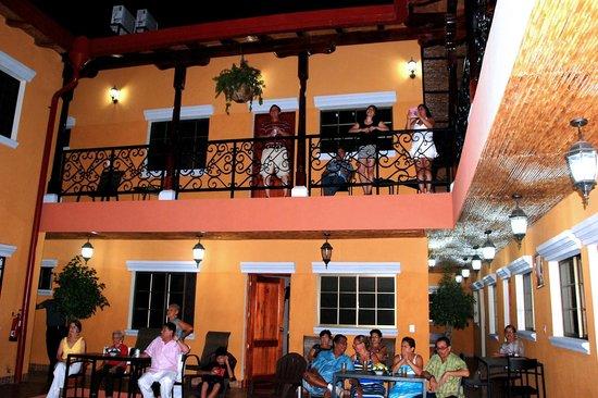 Aparta Hotel La Casona de Fabiana: Pasillos del hotel