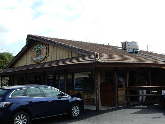 Rainbow Oaks Restaurant: Very country, very quaint