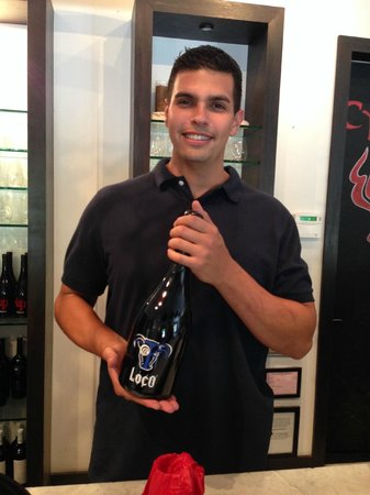 Cypher Winery : Service with a smile