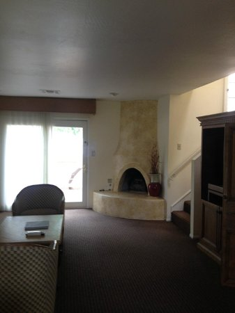 Scottsdale Plaza Resort: roomy two-level suite