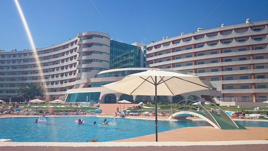 Hotel Paraíso de Albufeira: Lying by the pool
