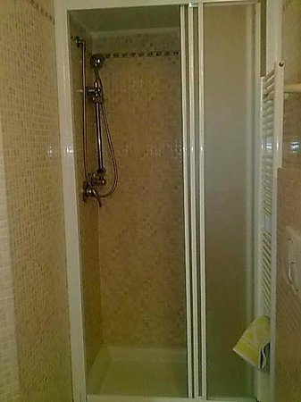 Alex Bed and Breakfast: bagno