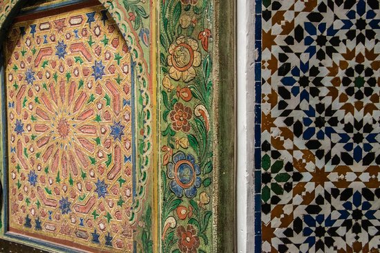 Dar Seffarine: hand painted doors and tile work