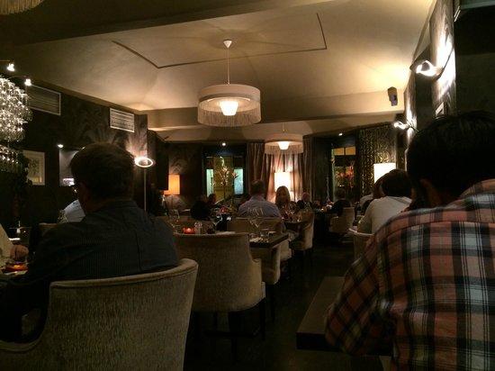 V Zatisi : Salão do restaurante