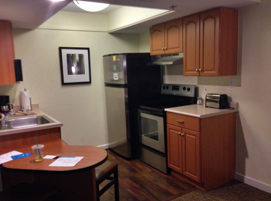 HYATT house Morristown: Kitchette