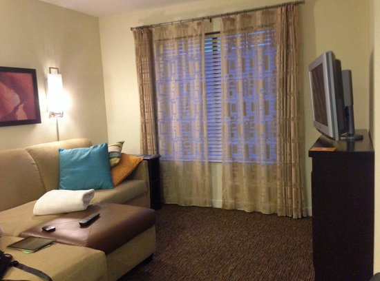 HYATT house Morristown: Living Room area