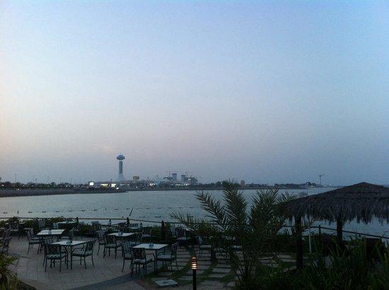 Hilton Abu Dhabi: Dall'Hiltonia verso la Marina mall