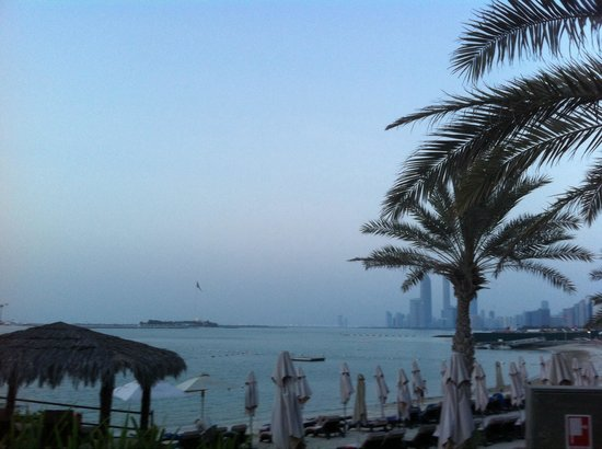 Hilton Abu Dhabi: Spiaggia