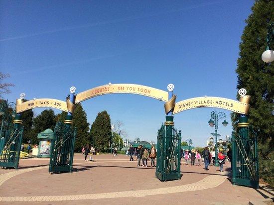 Disney Village: gateway