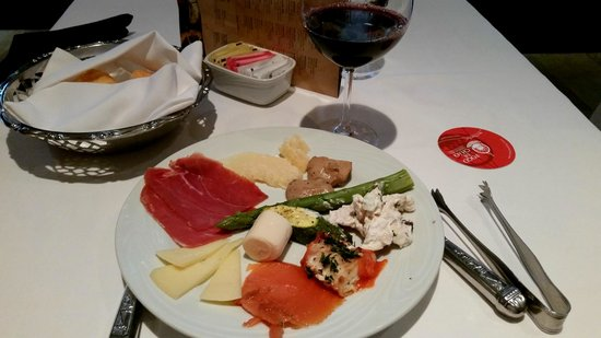 Fogo de Chao Brazilian Steakhouse: Samples from the salad bar