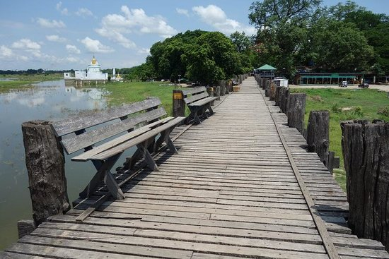 U Bein Köprüsü: 非常に暑い!