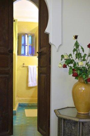 Riad El Youssoufi : Quarto Amarillo