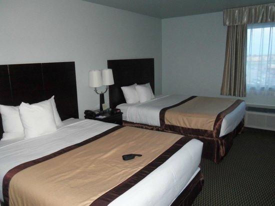 Baymont Inn & Suites Rapid City : two queen beds room