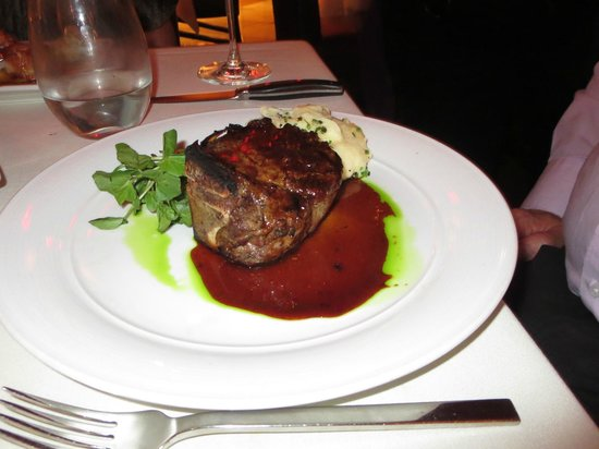 The Winery Restaurant & Wine Bar: Filet Mignon
